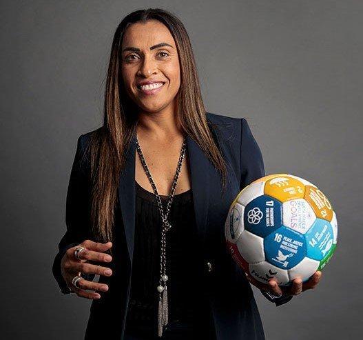 Rainha Marta, jogadora de Futebol